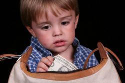 Bagaimana Mendidik Anak yang Suka Mengutil?