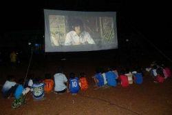 Layanan Mobil Bioskop Keliling untuk Masyarakat