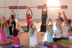 Tingkatkan Konsentrasi dan Rasa Percaya Diri Anak dengan Yoga