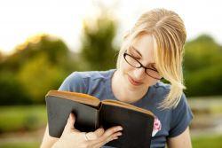 Kiat Menambah Kosakata dengan Reading
