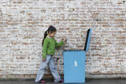 Ajarkan Kebiasaan Membuang Sampah Sejak Dini pada Anak