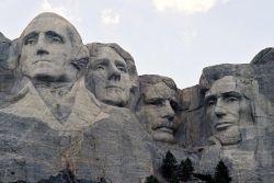 4 Patung Pahatan Paling Terkenal di Seluruh Dunia