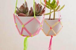Membuat Pot Bunga Gantung dari Sedotan