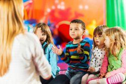 Tips Menulis Lagu Anak - Bagian 1: Lirik Sederhana, Namun Kaya