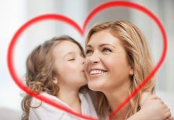 Ajari Anak Berbakti pada Orangtua dengan Tips Berikut