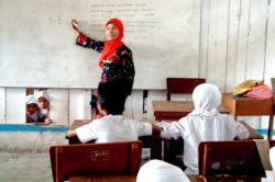K-13 Tetap Diberhentikan untuk Seluruh Sekolah di Indonesia