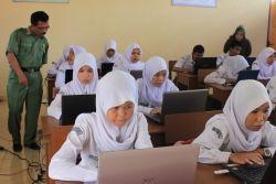 500 Ribu Siswa SMA SMK Akan Ikuti Ujian Akhir Online
