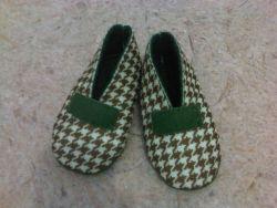 Membuat Sepatu Bayi dari Kain Flanel
