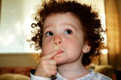 Hati-Hati Jika Anak Mengaku Punya Teman Khayalan