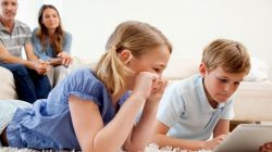 Tips Agar Anak Tidak Download Aplikasi Berbayar
