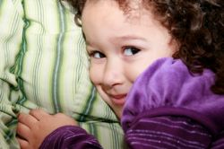 Hilangkan Sifat Pemalu pada Anak dengan Cara Berikut