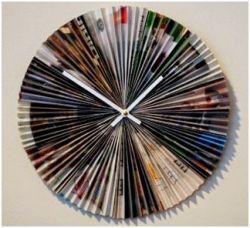 Jam Dinding yang Unik dari Kertas Koran dan Majalah