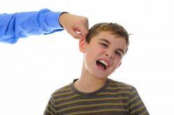 Dampak Buruk Menjewer Telinga Anak