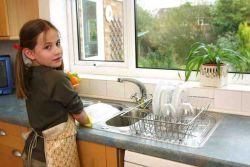 Yuk, Ajarkan Si Kecil untuk Bantu Pekerjaan Rumah!