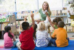 Kiat Menjadi Guru PAUD yang Disenangi Anak - Anak