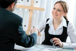 Tips Bahasa Tubuh Saat Wawancara Kerja