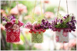 Pot Gantung dari Botol Bekas untuk Bunga Plastik Hias