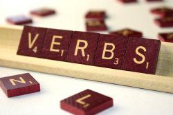 Verb yang Tidak Memiliki Akhiran -Ing