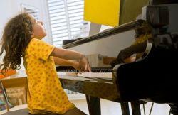 Pentingnya Mengenalkan Musik untuk Anak Sejak Dini