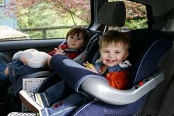 4 Cara Usir Rasa Bosan pada Si Kecil dalam Perjalanan Liburan