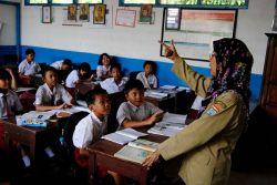 Dana Sertifikasi Guru Bekasi Cair Jelang Puasa
