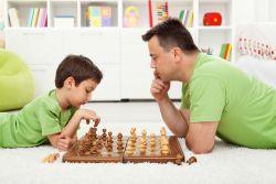 5 Manfaat Bermain Catur bagi Anak