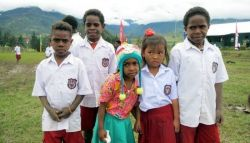 Ratusan Guru Sekolah Dasar Siap Dikirim ke Papua Barat