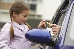 Ajarkan Hal Ini untuk Mencegah Penculikan pada Anak