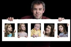 Potret Momen Berharga Bersama Keluarga dengan Gaya Unik!
