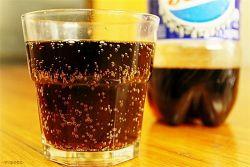 Waspadai Bahaya Dibalik Minuman Berkarbonasi bagi Kesehatan