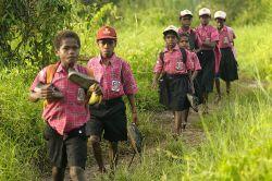 Anak Daerah Terpencil Terhambat Sekolah Karena Tidak Bisa Bahasa Indonesia
