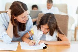 Begini Caranya Membantu Anak Mengerjakan PR