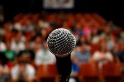 Cara Berkomunikasi Ketika Public Speaking