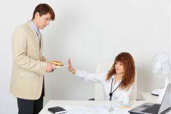 3 Cara Sopan dan Efektif untuk Menolak