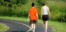 Manfaat Sehat Dibalik Jalan Mundur