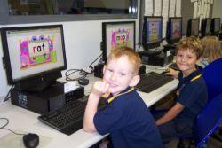 Membantu Siswa dalam Pemanfaatan Internet untuk Dunia Pembelajaran