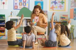 Tips Ampuh Menjadi Guru Inspiratif dan Professional