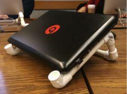 Penyangga Laptop dari Pipa Paralon