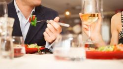 Melihat Kepribadian Seseorang Melalui Cara Makan