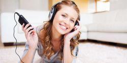 Suka Dengar Musik Pakai Headset? Hati-Hati!