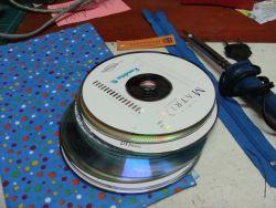 Cara Membuat Tempat Tisu dari CD Bekas