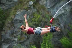 Asal Mula Olahraga Bungee Jumping