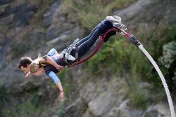 Syarat Mengikuti Olahraga Bungee Jumping