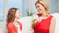 Tips Spesial Memberikan Kado Saat Hari Ibu