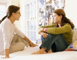 Pentingnya Mengawasi Pergaulan Anak Perempuan