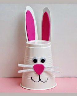 Cara Membuat Boneka Kelinci dari Gelas Plastik