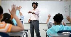 Posisi Tepat Guru Ketika dalam Proses Belajar Mengajar