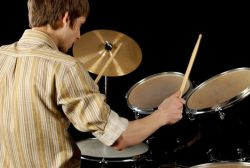 Cara Agar Main Drum Tidak Kagok Antara Kaki dan Tangan