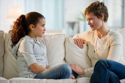 4 Tips Menghadapi Anak yang Memiliki Kepribadian Tertutup