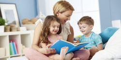 5 Manfaat Membacakan Dongeng bagi Perkembangan Anak